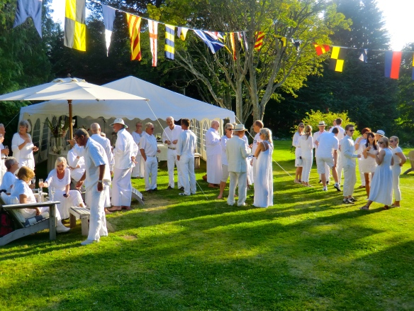 The annual Fevik White Party begins!